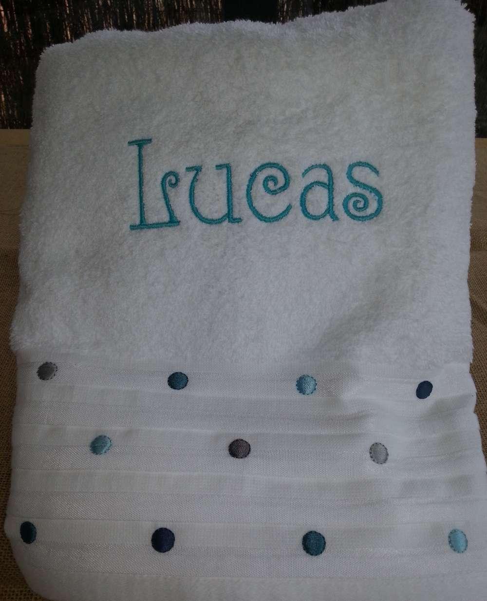 Drap de bain blanc brodé Lucas en turquoise