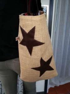 Sac cabas en jute, doublé de taffetas et avec étoiles cuir en appliqué