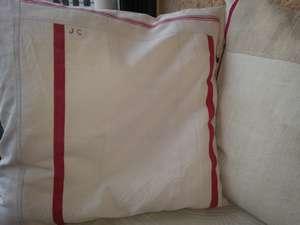 Housse de coussin 65*65cm faite à partir d'un mélange de linge ancien type torchons en lin et chemises de chanvre