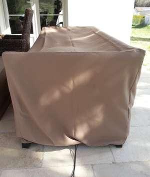 Housse de protection pour canapé de terrasse d'extérieur, en toile type bâche imputrescible et anti UV, colori taupe